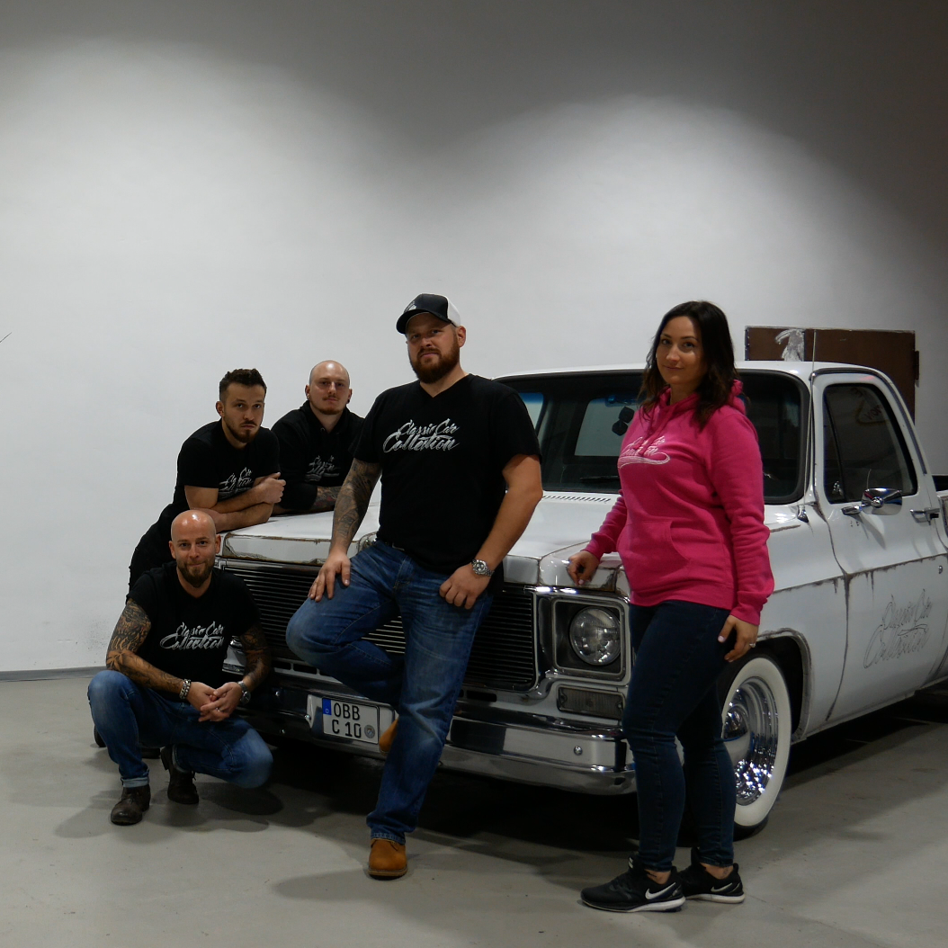 Classic Car Collection Team